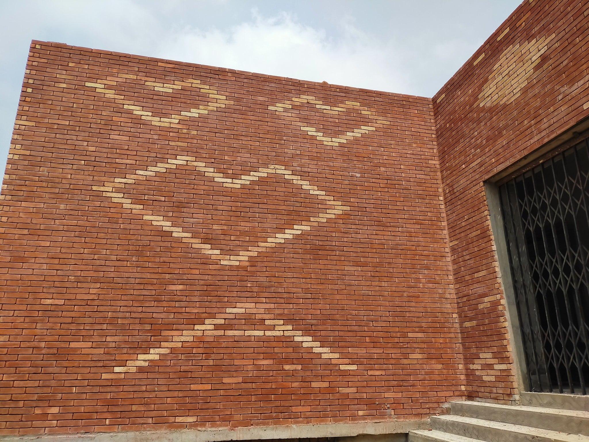 Red gutka tiles design